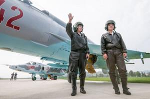 北朝鮮のパイロットは戦闘機が不具合を起こすから乗れないんだよなあ。家族が人質にでもされない限りね。
