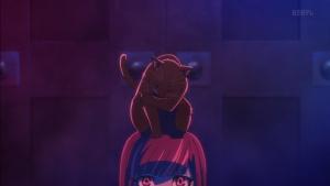 黒猫(内田真礼)一般人(黒沢ともよ)