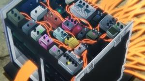 シューゲイザーのミュージシャンが使うようなペダルボードのようだ。言いたいことが分かるか?