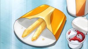 一番気になったのは食べ残しのフライドポテトとハンバーガーなの